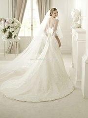 свадебное плаеть со шлейфом