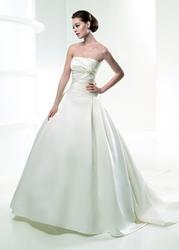 Продам шикарное свадебное платье и нац. костюм к нему